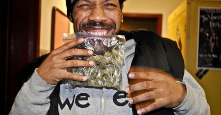 20 Traits Of A Good Weed Dealer