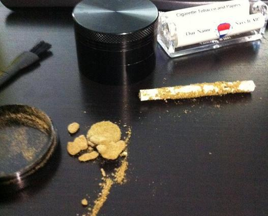 How To Roll A Kief Joint In 3 Easy Steps - Hail Mary Jane ®