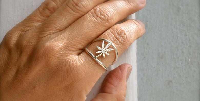 Tiny Marijuana Leaf Ring