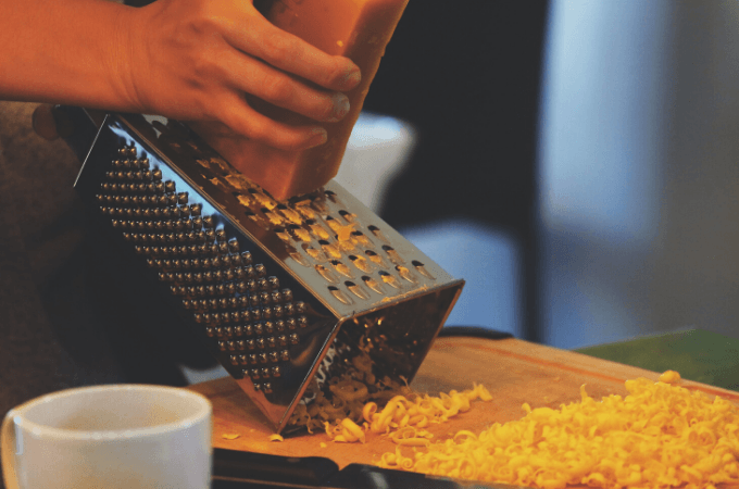 cheese grater to grind weed